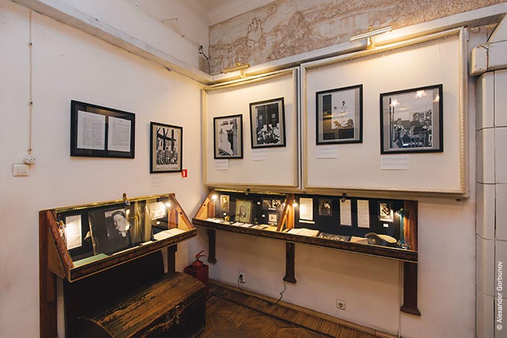 Выставка Чарли Стоуна