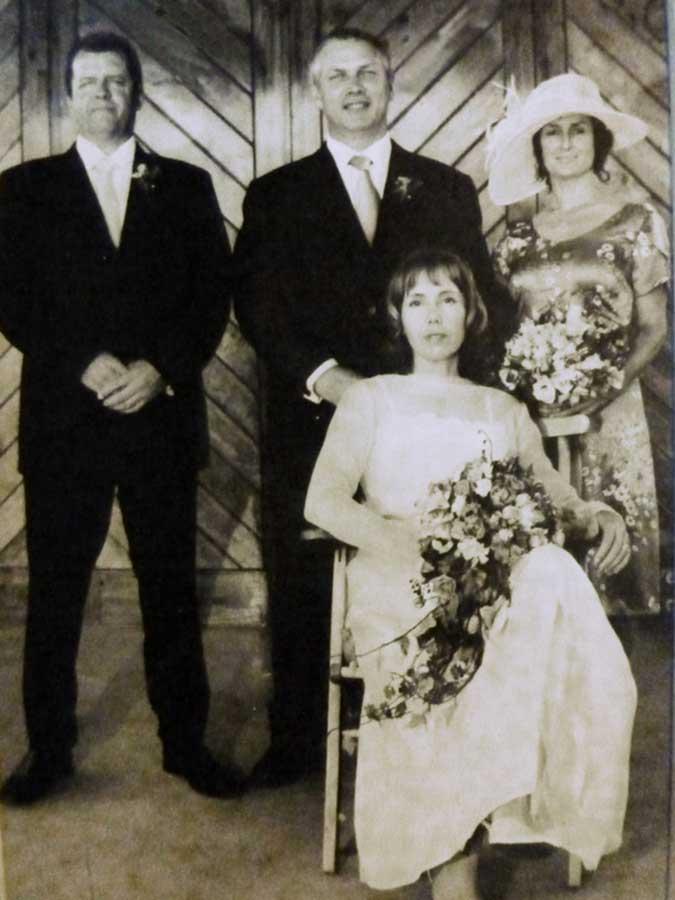Чарли Стоун семья